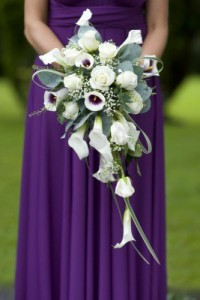wedding bouquet flowers 200x300 Popular Wedding Flowers in 2012