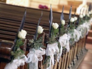 aisle wedding flowers 300x227 Aisle and Chair Floral Decor