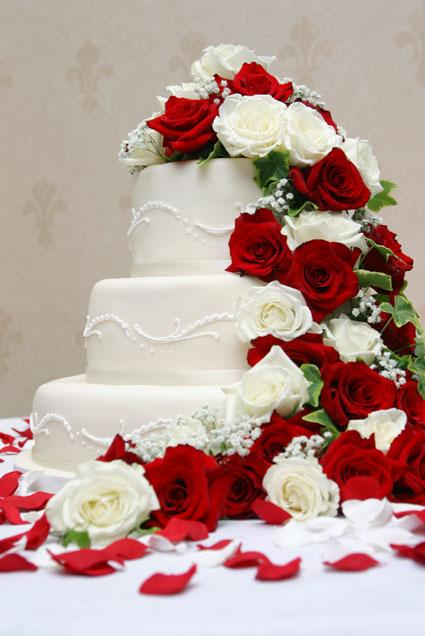 Floral wedding package 3 Wedding Cakes With Wholesale Flowers
