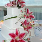 wed cake flowers 9 150x150 Wedding Cakes With Wholesale Flowers