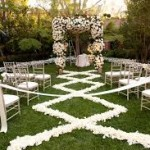 7 Ways FLowers in Aisles 2 150x150 7 Ways to Use Flowers in Your Wedding