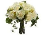White Bouqet 1 150x120 The Popular Trend of Having All White Bouquets
