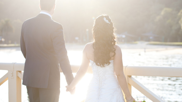 Plan Wedding on a Budget for Couple