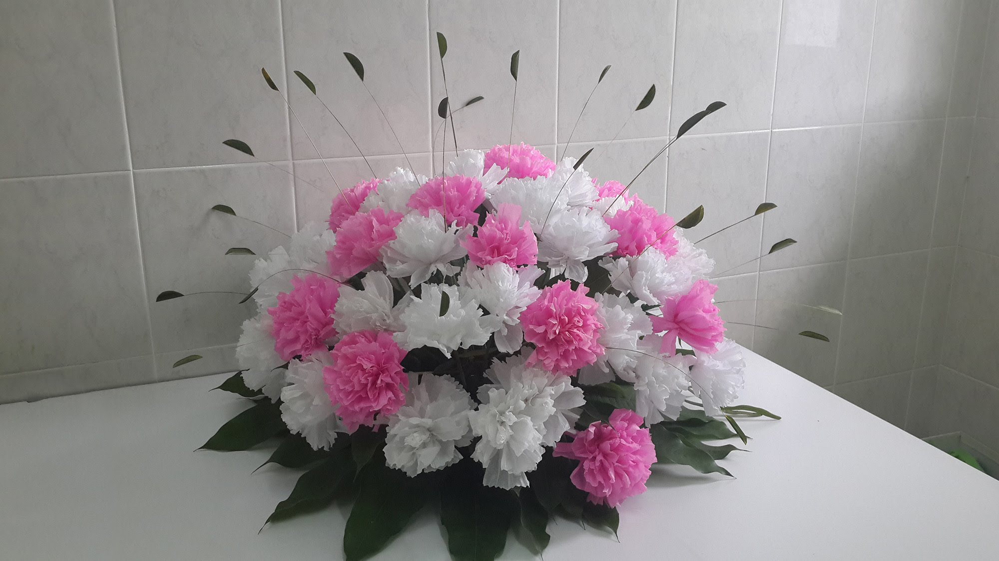 Celebrate love with fresh wholesale carnations this valentine mightylinksfo