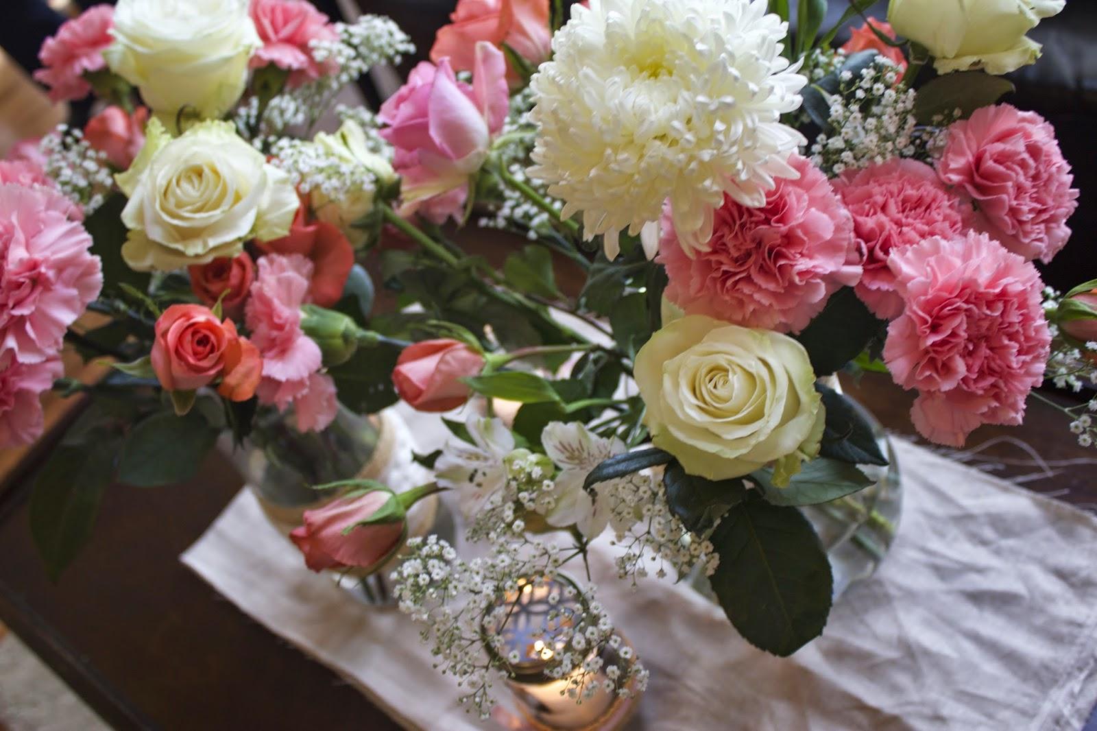 buy premium bulk flowers for a mesmerizing wedding. Black Bedroom Furniture Sets. Home Design Ideas