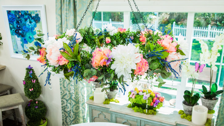 Floral Trends Diy Wedding Ideas Flower Tips: Learn How To Make A Flower Chandelier