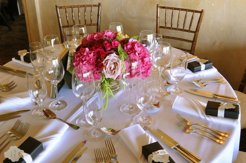 Ways to use Hydrangeas for your centerpiece on your big day