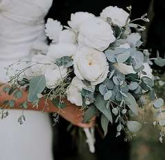 White Fantasy DIY Wedding Flowers Package