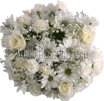 White Flowers Wedding Centerpieces