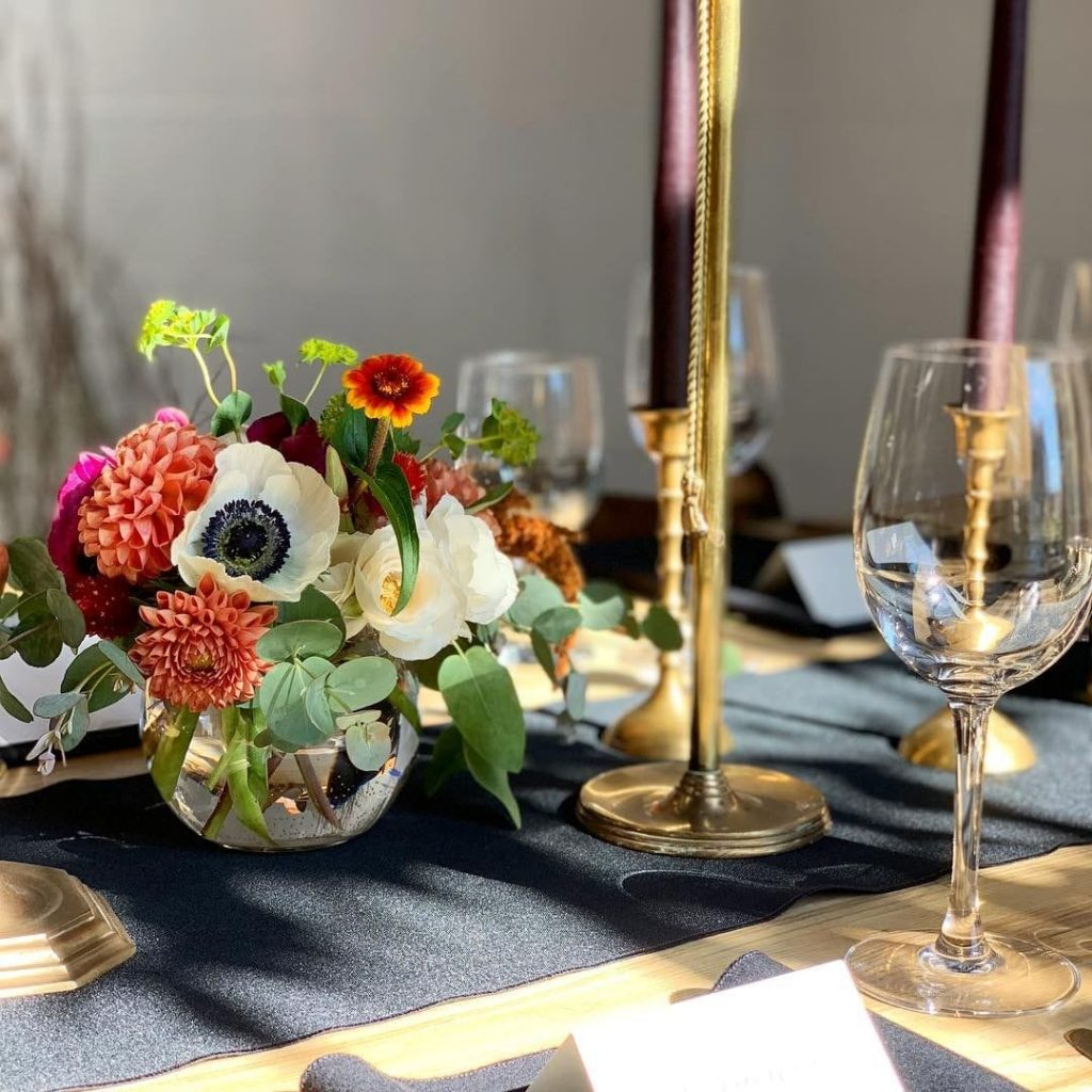 Flower Arrangements with Anemone Flowers