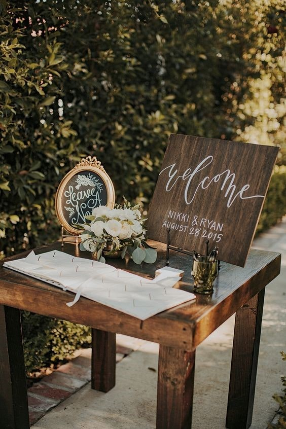 Sign-in table decoration with white flowers