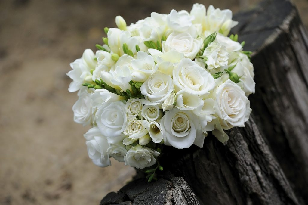 Classic White rose Bouquet