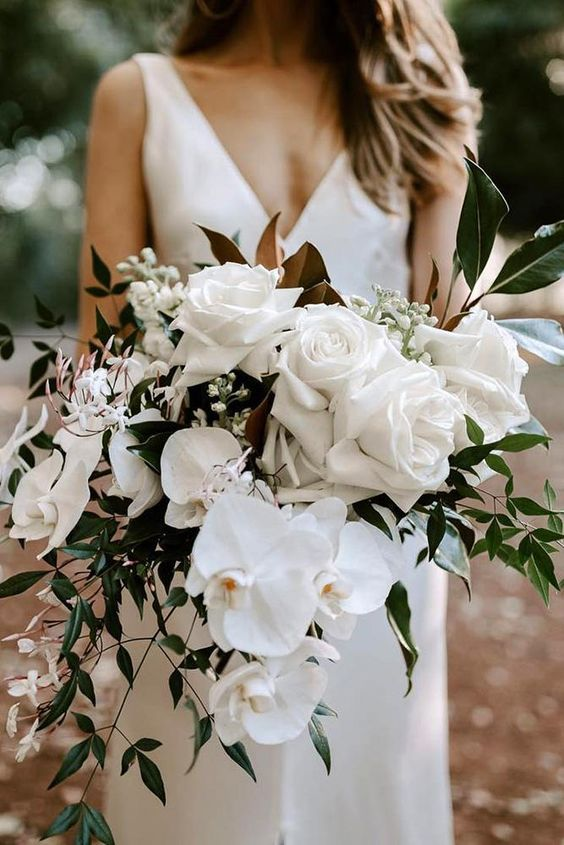 wedding white roses bouquet