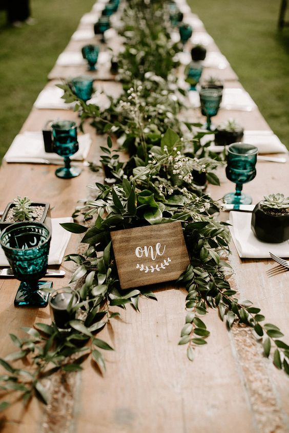table decoration wedding trends