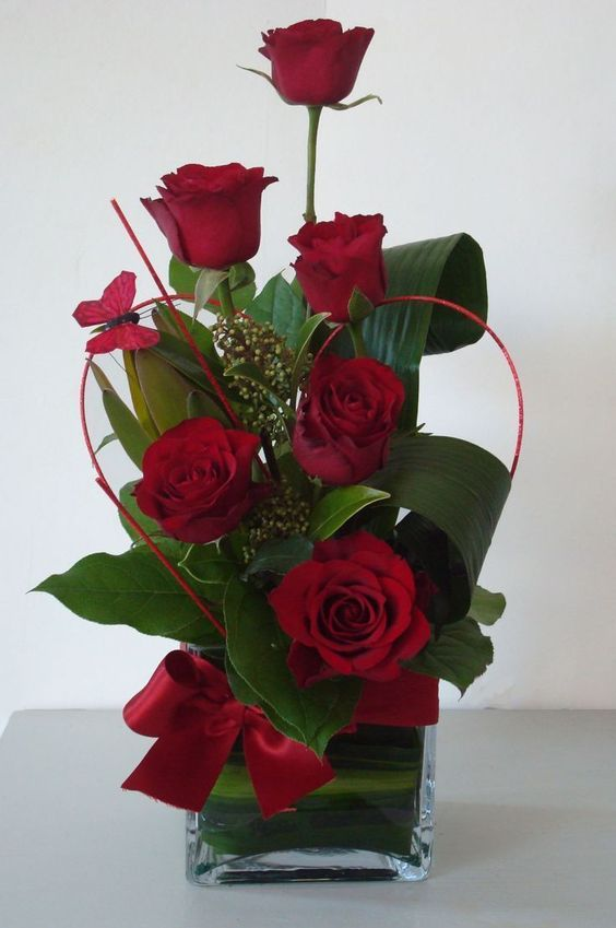 Valentine's day rose table arrangements