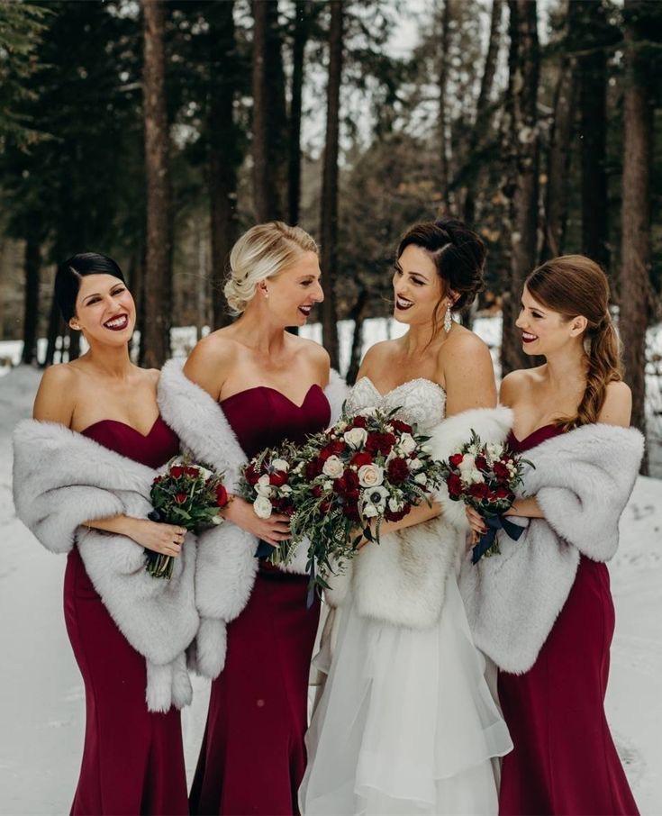Fresh Cut Flowers in Winter Weddings
