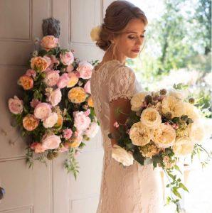 Garden Rose Bouquets in Wedding